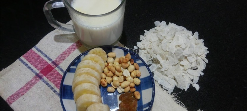 Banana, Milk, Poha